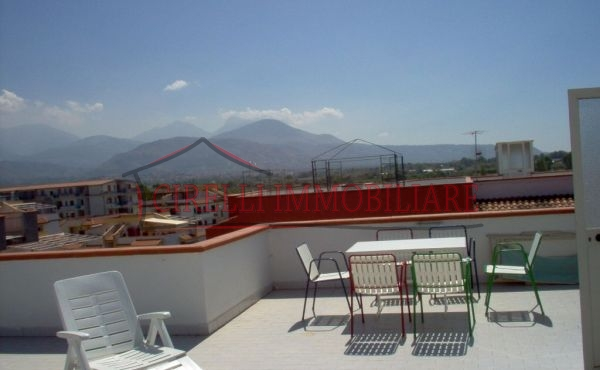 006, Apartment on two floors with view