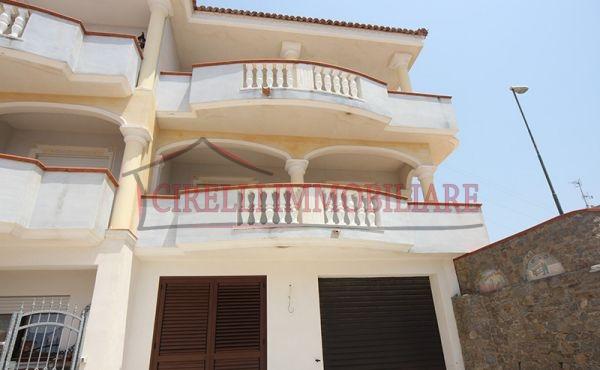 097, Scalea, villa on 3 floors